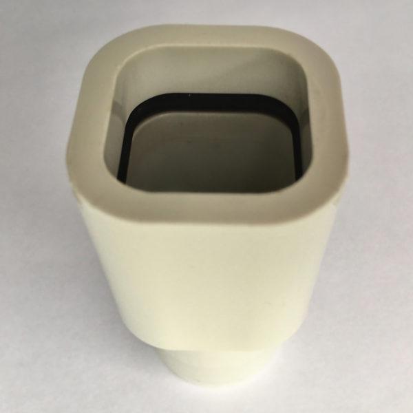 З'єднувач на регулятор тиску води